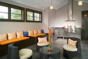 intown-atlanta-outdoor-kitchen-csi-a-01-300x202